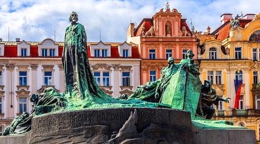 تمثال جان هوس
