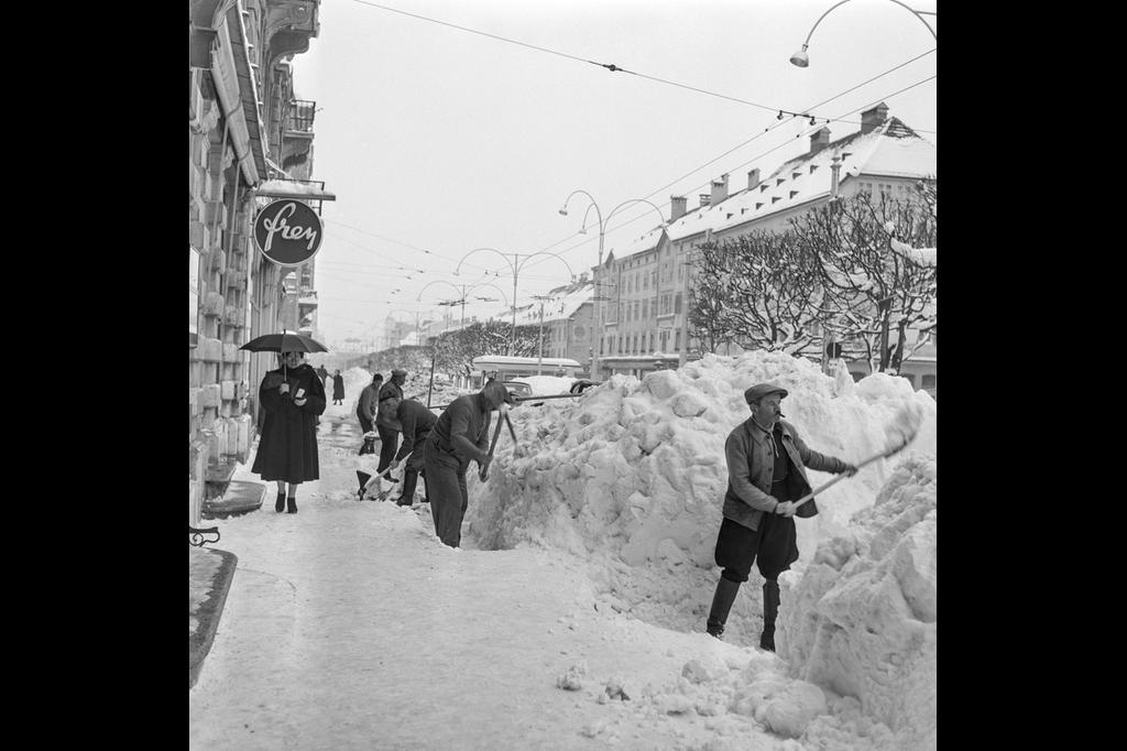 ثلوج الشتاء في سويسرا